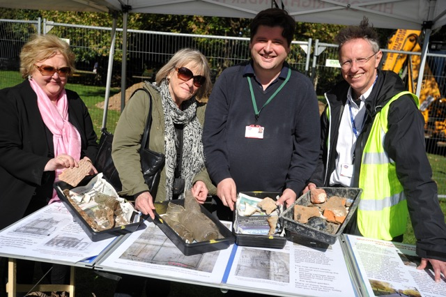 Displaying the some of the finds: (L to R) Janis Cammell and Annabelle May from the Friends; Dan Nesbitt and Francis Grew from the Museum of London